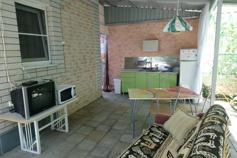 Дом с зоной отдыха, 36 кв.м. на 4 человека, 2 спальни, Кропоткина, 39, Ейск - Фотография 11