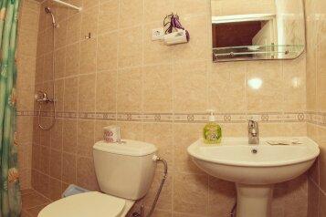 """Гостевой дом """"Белый Парус"""", улица Генерала Бирюзова, 54 на 20 комнат - Фотография 1"""