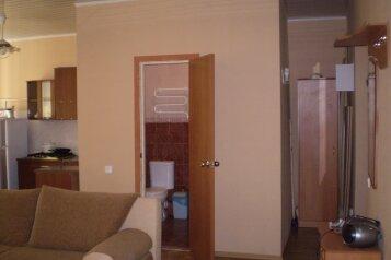 3-комн. квартира, 45.8 кв.м. на 6 человек, Крестовского, 23, Севастополь - Фотография 1