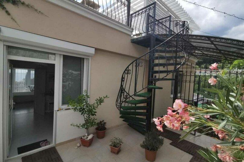 """Гостевой дом """"Tikhiy Ugolok"""", улица Мориса Тореза, 3 на 4 комнаты - Фотография 24"""