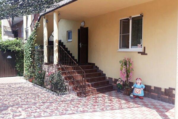 Гостевой дом, Средний переулок, 1 на 24 номера - Фотография 1