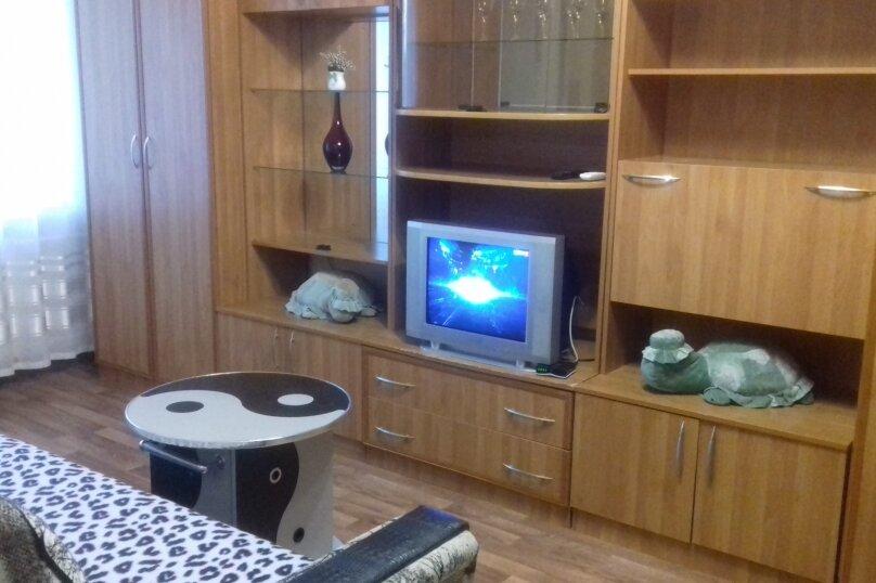 1-комн. квартира, 32 кв.м. на 3 человека, улица Комсомольский Спуск, 6, Таганрог - Фотография 2