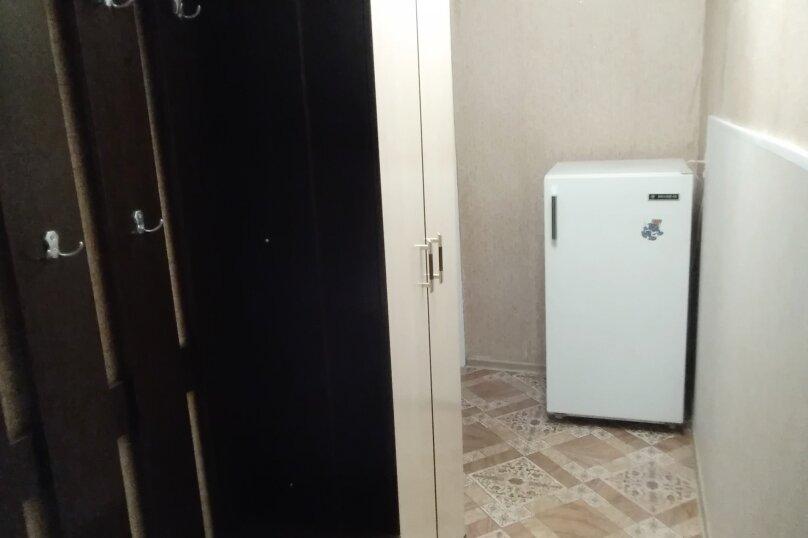 1-комн. квартира, 32 кв.м. на 3 человека, улица Комсомольский Спуск, 6, Таганрог - Фотография 10