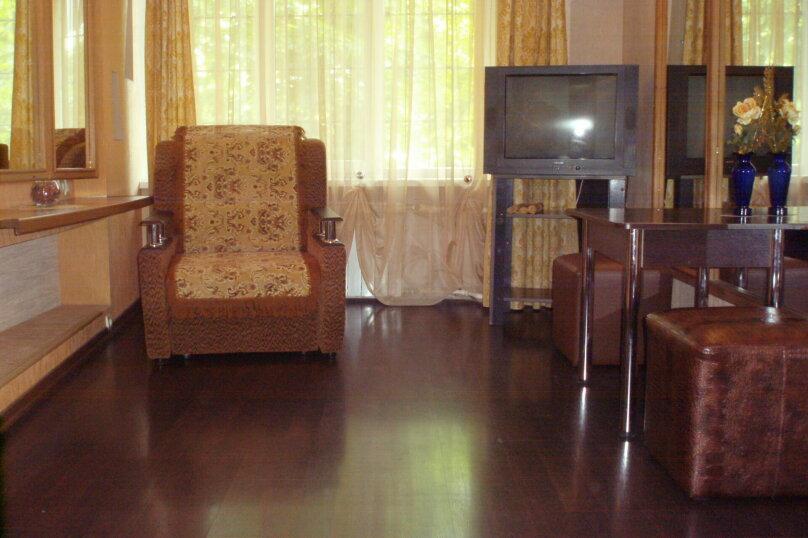 1-комн. квартира, 34 кв.м. на 3 человека, переулок Антона Глушко, 12, Таганрог - Фотография 2