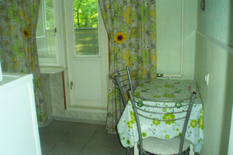 1-комн. квартира, 34 кв.м. на 3 человека, переулок Антона Глушко, 12, Таганрог - Фотография 9