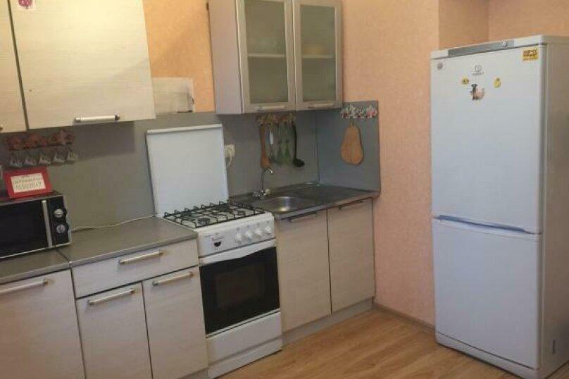 1-комн. квартира, 39 кв.м. на 4 человека, улица Труда, 50, Псков - Фотография 13