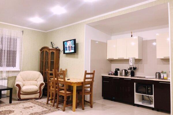 Таунхаус трехэтажный в центре Сочи, 99 кв.м. на 5 человек, 2 спальни, улица Орджоникидзе, 18, Сочи - Фотография 1
