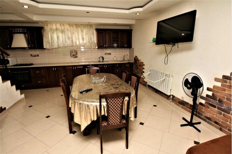 Дом для отпуска в центре Адлера на 8 человек, до моря 7 минут, 120 кв.м. на 10 человек, 3 спальни, Куйбышева, 44, Адлер - Фотография 7