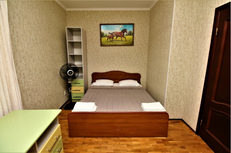Дом для отпуска в центре Адлера на 8 человек, до моря 7 минут, 120 кв.м. на 10 человек, 3 спальни, Куйбышева, 44, Адлер - Фотография 8