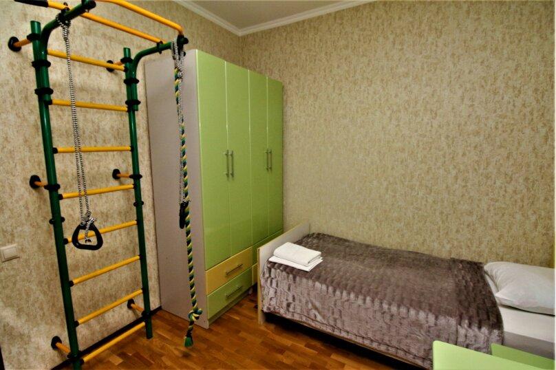 Дом для отпуска в центре Адлера на 8 человек, до моря 7 минут, 120 кв.м. на 10 человек, 3 спальни, Куйбышева, 44, Адлер - Фотография 10