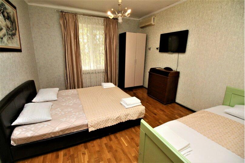 Дом для отпуска в центре Адлера на 8 человек, до моря 7 минут, 120 кв.м. на 10 человек, 3 спальни, Куйбышева, 44, Адлер - Фотография 11