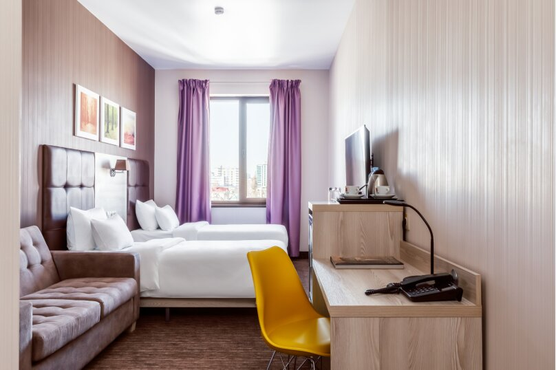 Улучшенный двухместный номер с 2 отдельными кроватями, улица Суворова, 91, Краснодар - Фотография 1