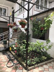 Гостевой дом, Революционная улица, 63 на 7 номеров - Фотография 1