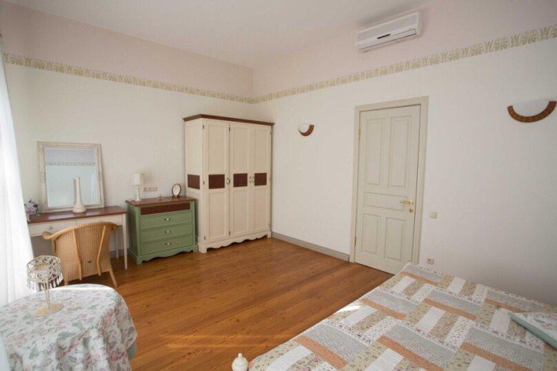 Четырехместный люкс двухкомнатный с видом на море, улица Ленина, 46, Алупка - Фотография 2