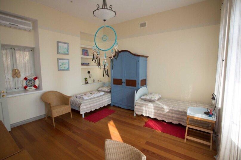 Четырехместный люкс двухкомнатный с видом на море, улица Ленина, 46, Алупка - Фотография 1
