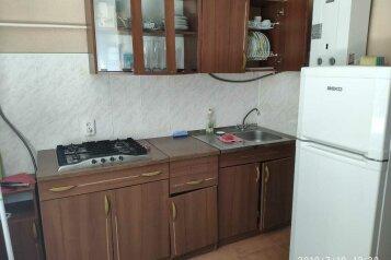 3-комн. квартира, 45.8 кв.м. на 6 человек, Крестовского, 23, Севастополь - Фотография 2