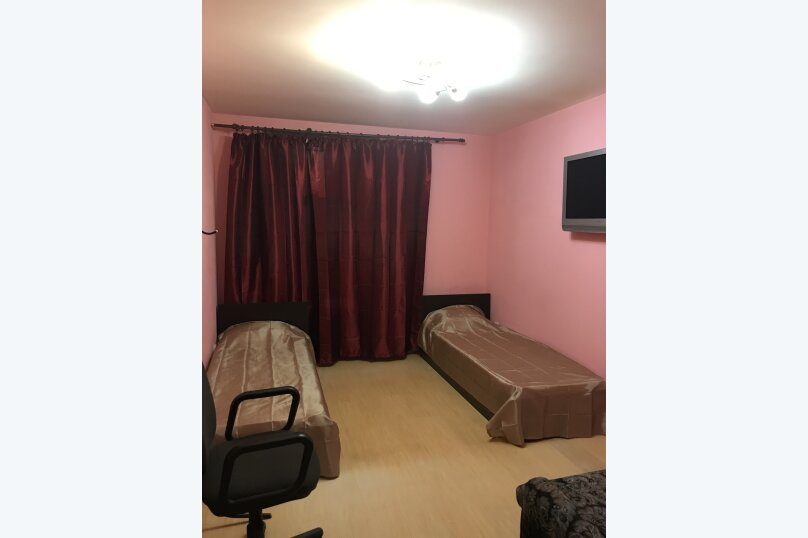 Двухместный номер с двумя отдельными кроватями и диваном, улица Восстания, 53 Лит А, Санкт-Петербург - Фотография 1