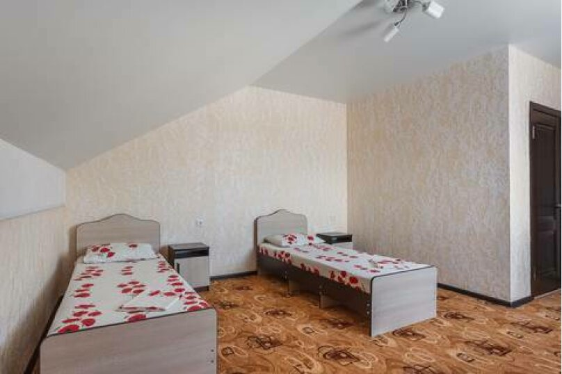 """Гостевой дом """"Три богатыря"""", Приморская улица, 11 на 30 комнат - Фотография 35"""