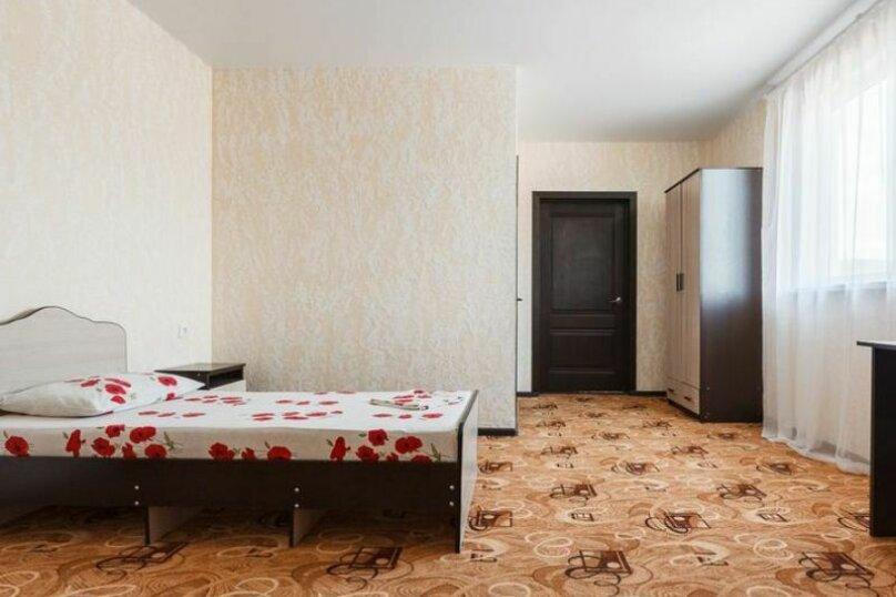 """Гостевой дом """"Три богатыря"""", Приморская улица, 11 на 30 комнат - Фотография 40"""