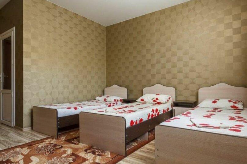 """Гостевой дом """"Три богатыря"""", Приморская улица, 11 на 30 комнат - Фотография 26"""