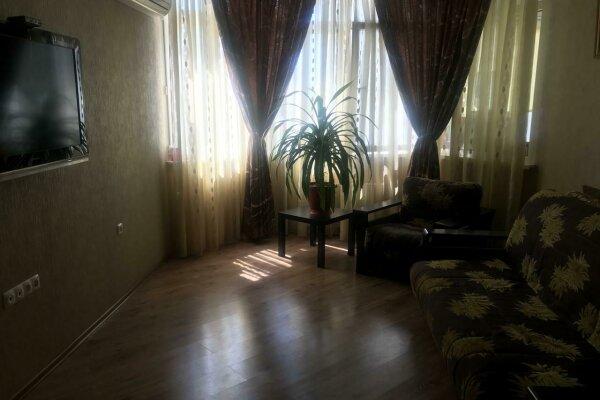 2-комн. квартира, 62 кв.м. на 6 человек, Молодёжная улица, 16, Новороссийск - Фотография 1