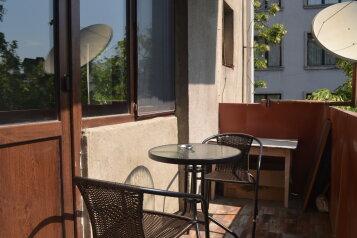 3-комн. квартира, 75 кв.м. на 4 человека, улица Ираклия Татишвили, 17, Тбилиси - Фотография 1