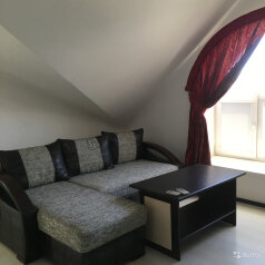 5-комн. квартира, 140 кв.м. на 6 человек, улица Десантников, 7А, Феодосия - Фотография 1