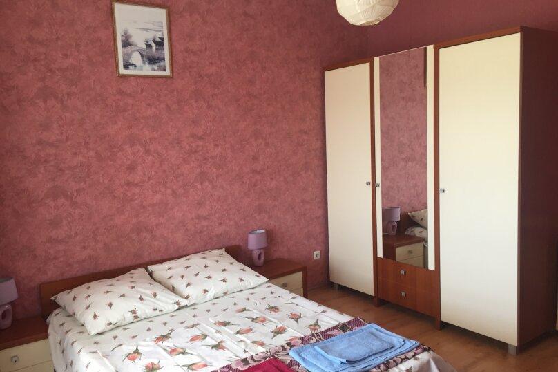 Трехместный номер с балконом, Насыпная улица, 12, Феодосия - Фотография 1