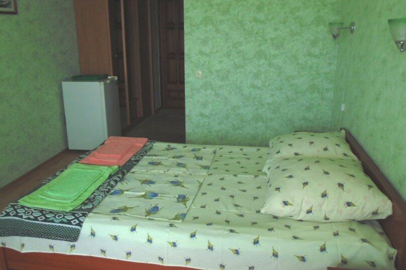 Двухместный номер с 1 кроватью и балконом, Насыпная улица, 12, Феодосия - Фотография 1