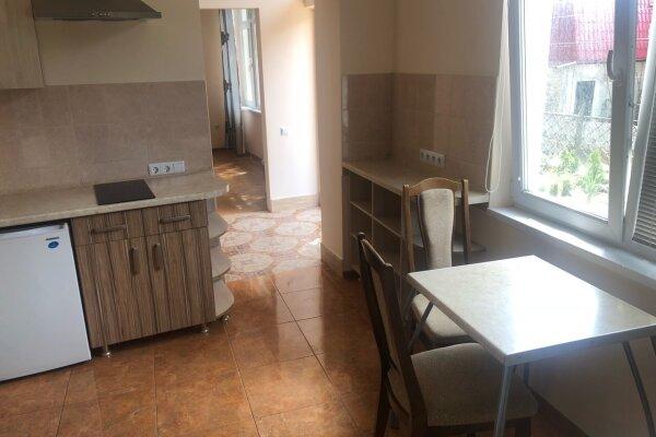 Дом целиком, 35 кв.м. на 4 человека, 1 спальня, Бассейная улица, 13, Ялта - Фотография 1