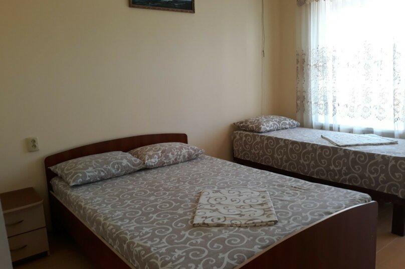 Улучшенный семейный номер, Мельников , 19, район Ачиклар, Судак - Фотография 1