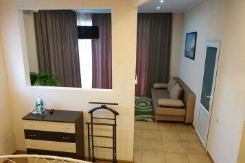 1-комн. квартира, 40 кв.м. на 4 человека, улица Адмирала Фадеева, 48, Севастополь - Фотография 2