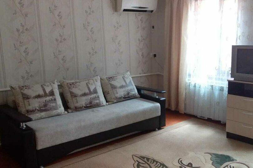 Дом, 40 кв.м. на 5 человек, 1 спальня, Гоголя, 34, Ейск - Фотография 1
