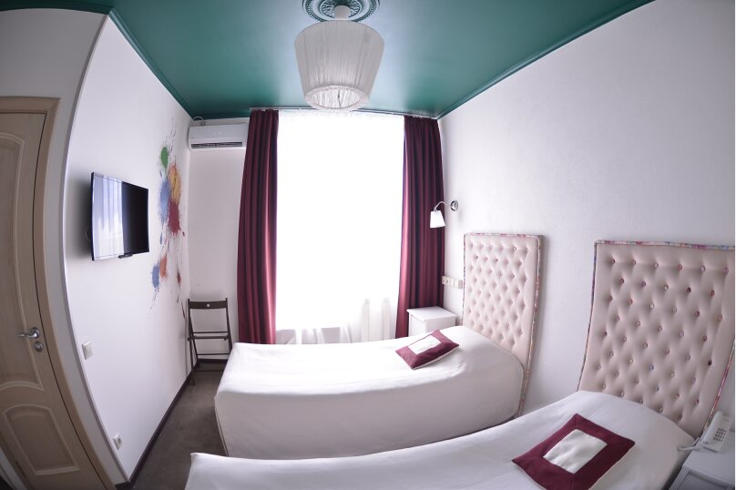 Улучшенный номер с 1 двуспальной кроватью или 2 раздельными и балконом, Гражданский проспект, 18, Белгород - Фотография 1