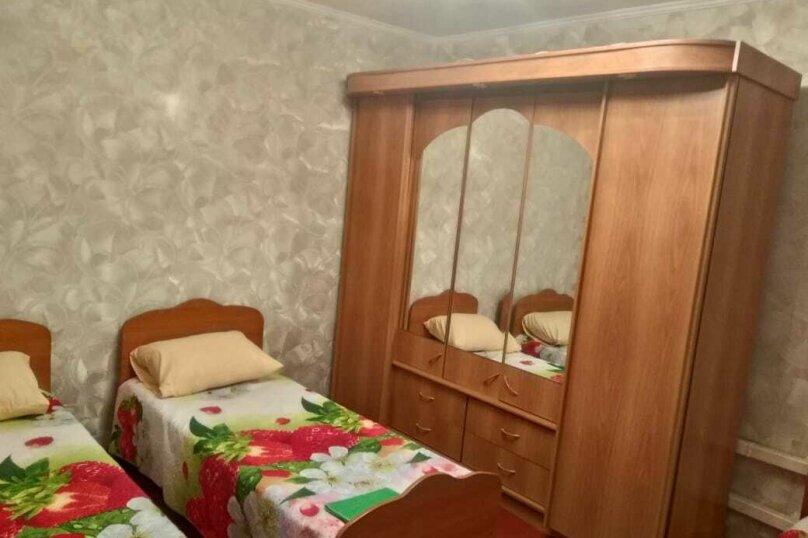 2-х комнатная часть дома №1 с удобствами на Нижнесадовой 26, Нижнесадовая улица, 26, Ейск - Фотография 1