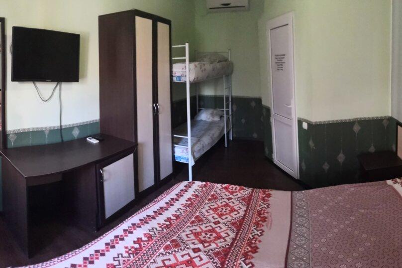 Четырехместный с двухъярусной кроватью, Глухой переулок, 3, Архипо-Осиповка - Фотография 1