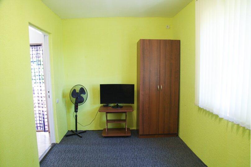 Гостевой дом Мария, Черноморская улица, 48 на 12 комнат - Фотография 17