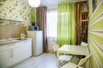1-комн. квартира, 33 кв.м. на 4 человека, улица Батурина, 20, Советский район, Красноярск - Фотография 3