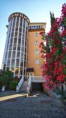 """Отель """"Олимпия"""", улица Чкалова, 5Б на 35 номеров - Фотография 1"""