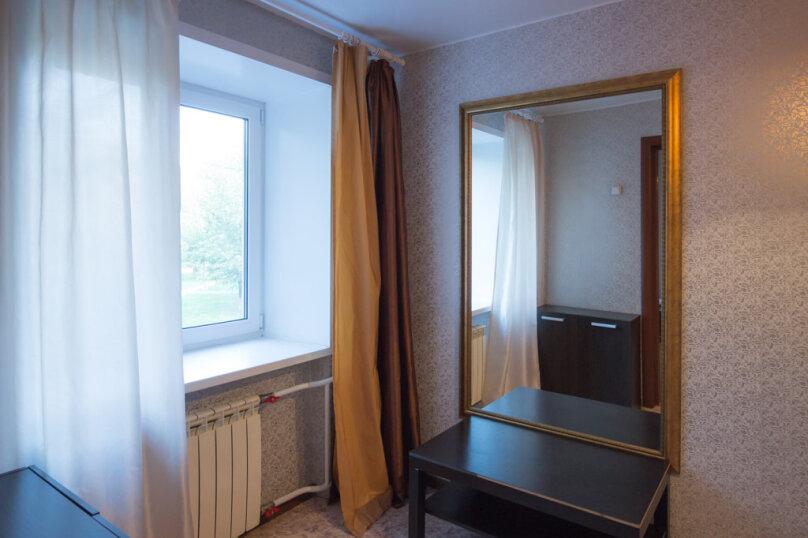 2-комн. квартира, 50 кв.м. на 4 человека, улица Мичурина, 4, Красноярск - Фотография 5