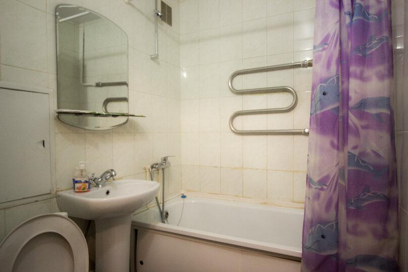 2-комн. квартира, 50 кв.м. на 4 человека, улица Мичурина, 4, Красноярск - Фотография 8
