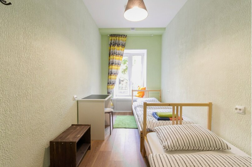 Отдельный номер с двумя одноместными кроватями , Моховая улица, 30, Санкт-Петербург - Фотография 1