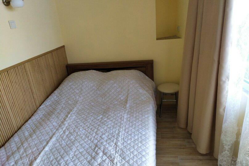 2 комнатный с видом на море и балконом 2 этаж, Маратовская , 19-а, Мисхор - Фотография 1