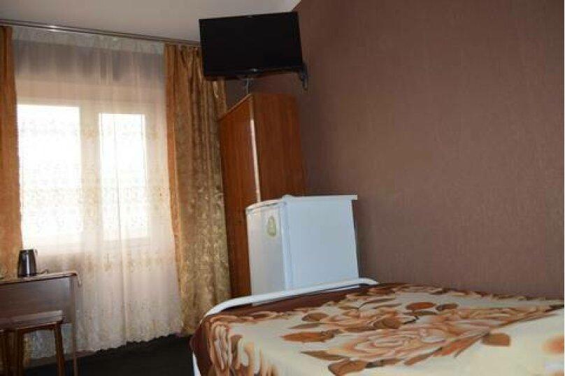 Трехместные номера со всеми удобствами, улица Чкалова, 10, Джубга - Фотография 3