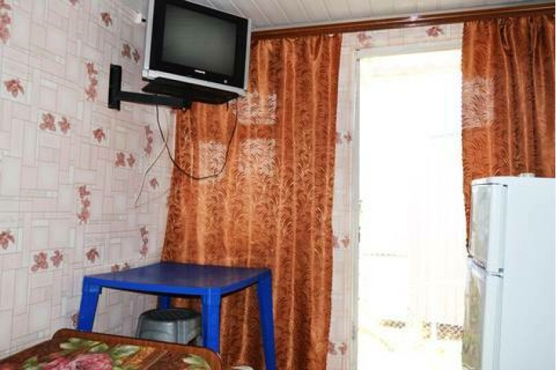 Трехместные номера с удобствами во дворе., улица Чкалова, 10, Джубга - Фотография 4