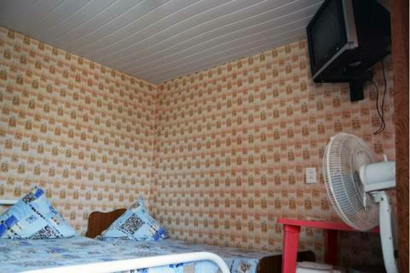 Четырехместные номера с удобствами во дворе, улица Чкалова, 10, Джубга - Фотография 4