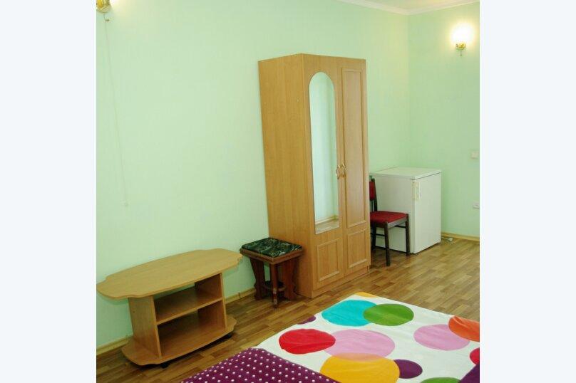 """Гостевой дом """"Летний"""", Корабельная улица, 32 на 6 комнат - Фотография 12"""
