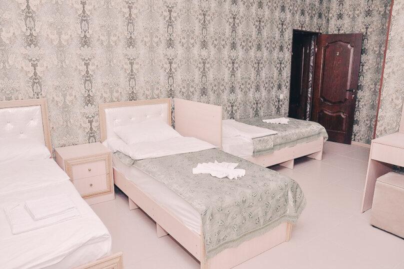 """Гостевой дом """"На Володарского 27"""", улица Володарского, 27 на 8 комнат - Фотография 8"""