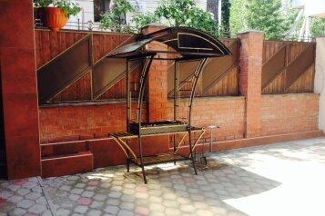 Этаж под ключ на Пионерской 22, 100 кв.м. на 8 человек, 3 спальни, Пионерская улица, 22, Геленджик - Фотография 2