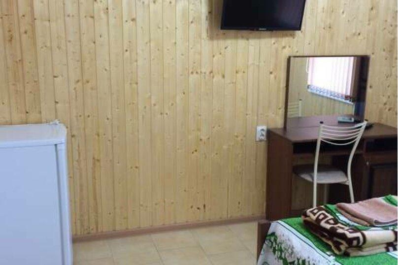 2-х местный с удобствами 3 этаж, улица Ленина, 20А, Лермонтово - Фотография 1